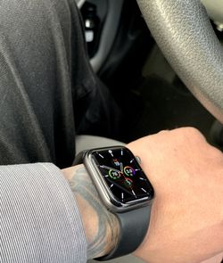 apple watch series 4 44m LTE for Sale in Paramount,  CA