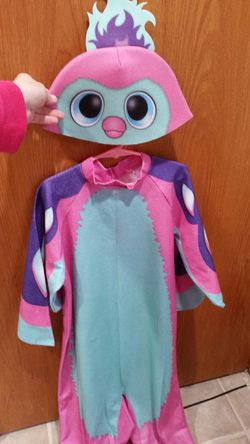 Hatchimal Pink Girls Costume size Medium - up to 10 years old for Sale in Bloomingdale,  IL