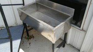 Portable outdoor sink and portable sink for ice for Sale in Chico, CA