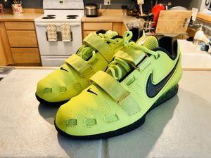 Nike Romaleos 2 Weightlifting Shoes - Volt - Size 10.5 for Sale in Renton, WA