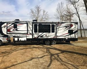 Fifth wheel toy hauler for Sale in Thomasville, NC
