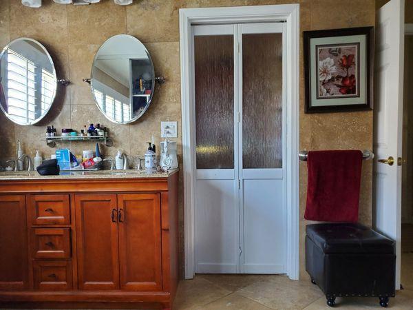"New LTL Glass Bi-Fold Door (32"" x 80"") $250 originally $650"