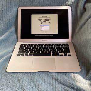 MacBook Air (13 Inch, Mid 2013) for Sale in Vista, CA
