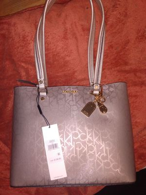 Calvin Klein purse for Sale in Milwaukie, OR