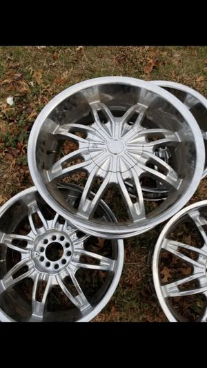 """Wheels 20"""" universal 5x114.3 for Sale in Fort Worth, TX"""