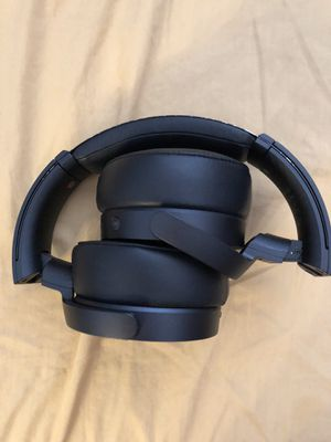 Wireless Headphones for Sale in Los Angeles, CA