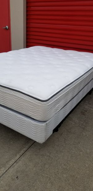 SIMMONS BEAUTY SLEEP QUEEN BED for Sale in Frisco, TX