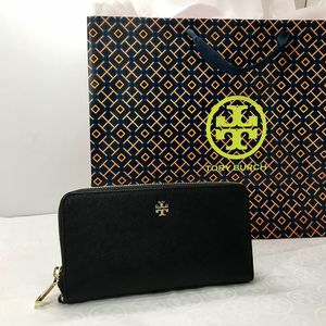 Tory Burch Passport Continental Wallet Black NWT for Sale in Oceanside, CA