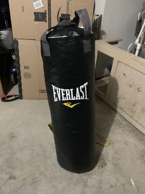 Punching Bag - Everlast. 70lb. Like New for Sale in Winston-Salem, NC