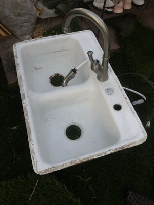 Kitchen sink for Sale in Rancho Cucamonga, CA