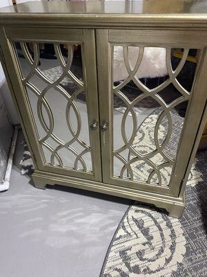 Mirror cabinet for Sale in New Port Richey, FL