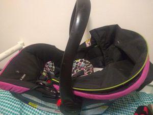 Sungridge 30 , car seat for Sale in Beaver Falls, PA