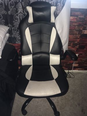 Computer // Gaming chair for Sale in Tempe, AZ