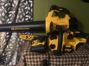 Chainsaw and blower dewalt Brushless for Sale in Dublin, OH