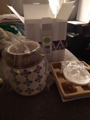 Scentsy warmer for Sale in Holbrook, MA