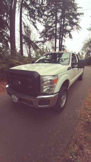 2013 Ford F-350 clean title good tags 6.2 L gas motor for Sale in Portland, OR