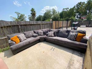 Selling couches queen bed n desk together all in excellent condition for 750 cash me out for Sale in Houston, TX