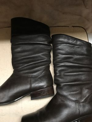 Ladies brown boots. Size 8 1/2 for Sale in Chardon, OH