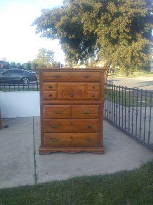 Vintage Five Drawer Dresser for Sale in Pico Rivera, CA