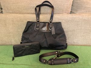 Coach gray handbag and matching wallet for Sale in Vero Beach, FL