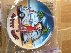 BETTY BOOP collectible glass plates set of 7 includes the brackets for hanging for Sale in Brentwood, CA