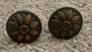 VINTAGE SET OF 2 ANTIQUE BRASS DRAWER DRESSER BRASS DROP PULL KNOBS HANDLES WITH SCREWS DIY PROJECT for Sale in Chapel Hill, NC