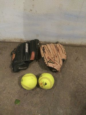 2 softball gloves excellent condition $30 a piece for Sale in Bloomington, MN