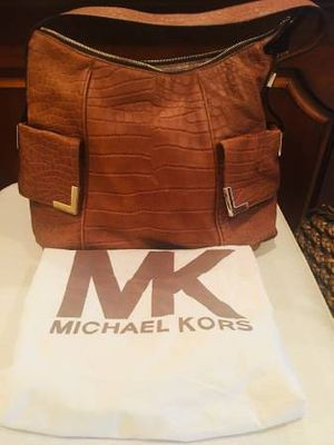 Michael Kors Leather Purse for Sale in Southern View, IL