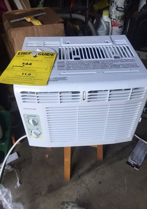 Frigidaire AC Wall Unit Works Like New Cold Air Model FFRA051WA1 (Claremont) for Sale in Claremont, CA