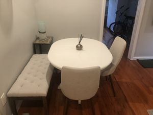 Kitchen dining set; table, 2 chairs, 2 benches for Sale in Brooklyn, NY