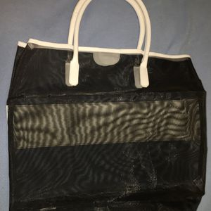 NEW Black & White Tote Bag for Sale in Cleveland, OH