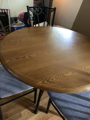 Kitchenette, Table with 4 chairs for Sale in St. Louis, MO