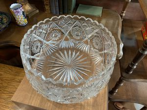 Beautiful Antique Crystal Cut Glass Bowl for Sale in East Los Angeles, CA