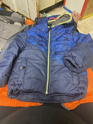 3t coat got too many coats, cross posted no smoking 2 dogs and 1 cats for Sale in Mancelona, MI