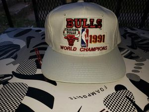 VINTAGE OG NWOT 1991 BULLS CHAMPIONSHIP snapback hat (same one Jordan wore) for Sale in Washington, DC