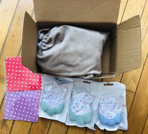 Baby hammock for crib includes 2 card and 3 mittens for Sale in West Chester, PA