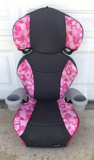 PRACTICALLY NEW EVENFLO BOOSTER SEAT for Sale in San Bernardino, CA