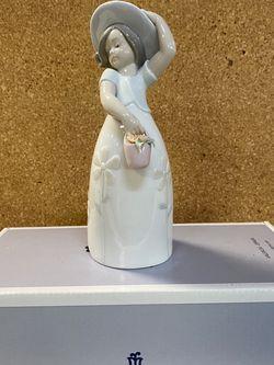 """Lladro """"Little Daisy"""" for Sale in Bellevue,  WA"""