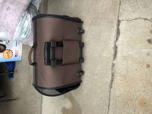 Dog carrier with handle almost brand new for Sale in East Wenatchee, WA