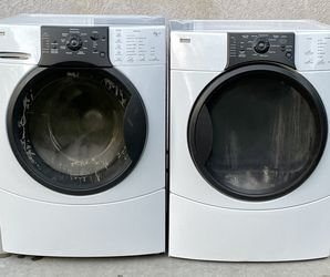 Kenmore Washer&Dryer (Gas) with Warranty for Sale in Fresno,  CA