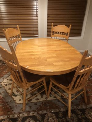 Kitchen table and 4 chairs with cushions for Sale in Highlands Ranch, CO