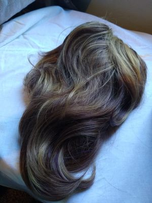 Pony tail Hair clip blonde $10 for Sale in Vernon, CA