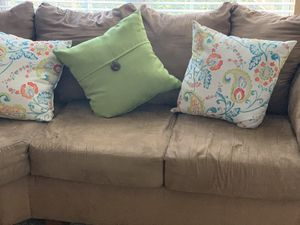 Brown Sectional couch for Sale in Lawrenceville, GA
