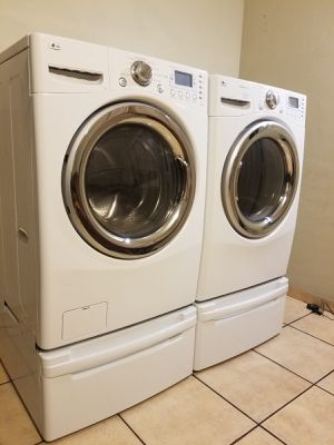 LG WASHER AND GAS STEAM DRYER for Sale in Glendale, AZ