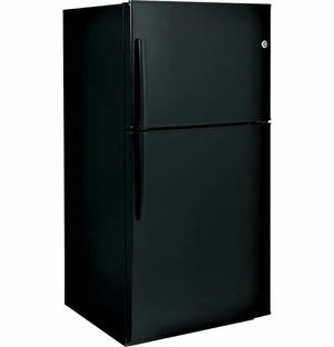 "GE 21.2 cu ft / 33"" Top-Freezer Refrigerator - Model: GTE21GTHBB for Sale in Yonkers, NY"