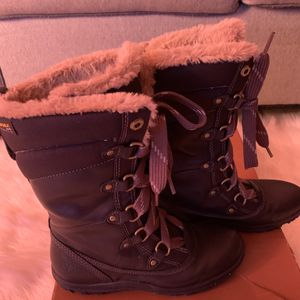 Botas Timberline De Mujer #6.5 en Perfecto estado for Sale in Chicago, IL