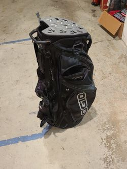 Ogio Silencer Stand Bag for Sale in North Bend,  WA