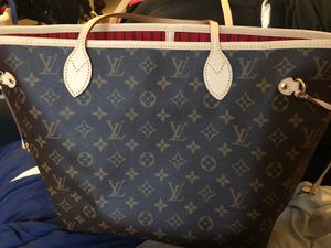 Louis Vuitton Tote bag for Sale in Norwalk, CT