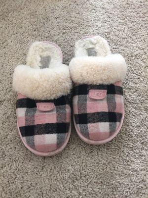 UGG slippers size 8 for Sale in Denver, CO