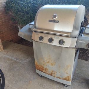 Grill for Sale in Rustburg, VA